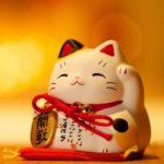 Кот счастья из Японии – Манэки-нэко